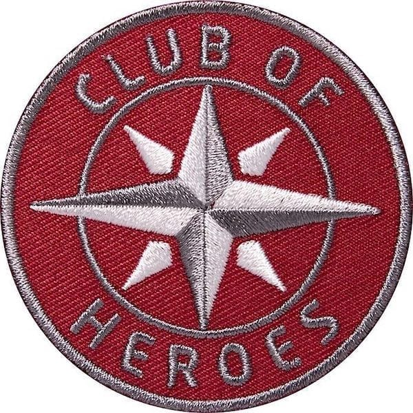 Kompass Outdoor Aufnäher von Club of Heroes. 62 mm Rot